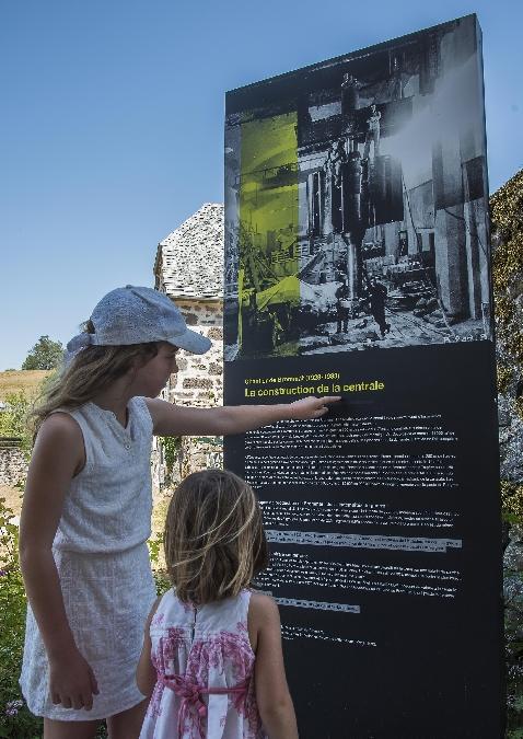 Exposition à ciel ouvert à Brommat